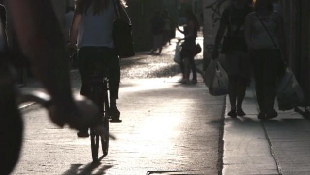 NO BENZA - Una storia a pedali